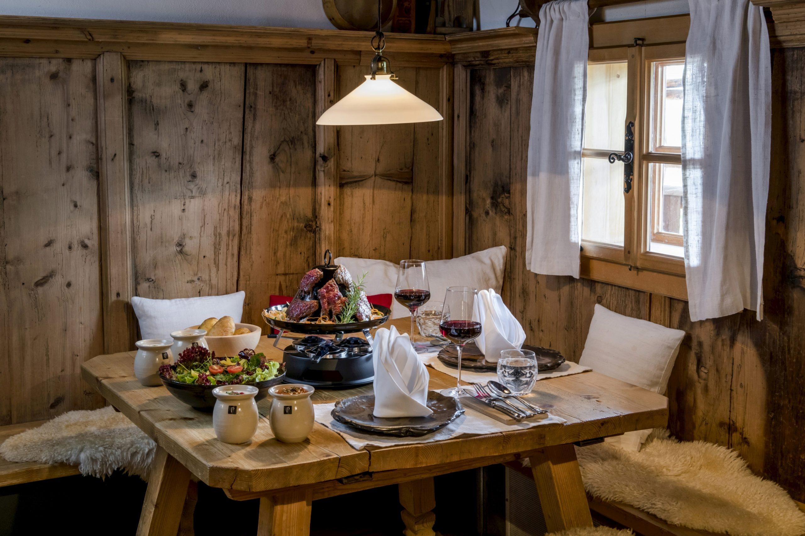 Hut-Essen in Huwi's Alm